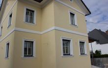 Saubere Trennung zwischen den Fassadenfarben.
